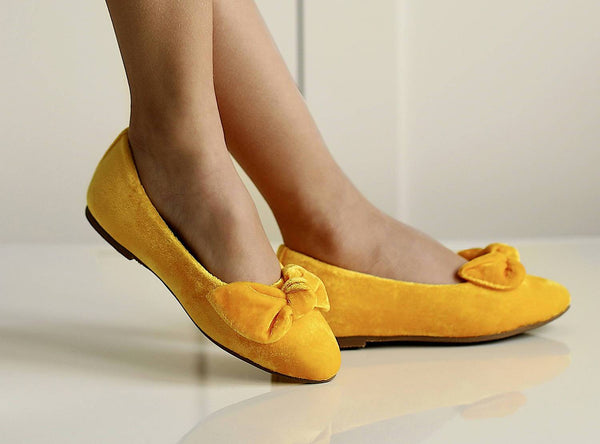 3  sunny looks with Poppy yellow  shoes | Age of Innocence