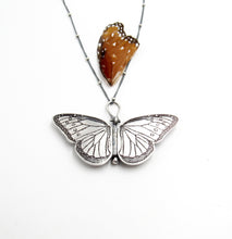 Load image into Gallery viewer, Sterling Silver Queen Butterfly Locket Danaus gilippus