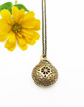 Load image into Gallery viewer, Brass Aromatherapy Pendant