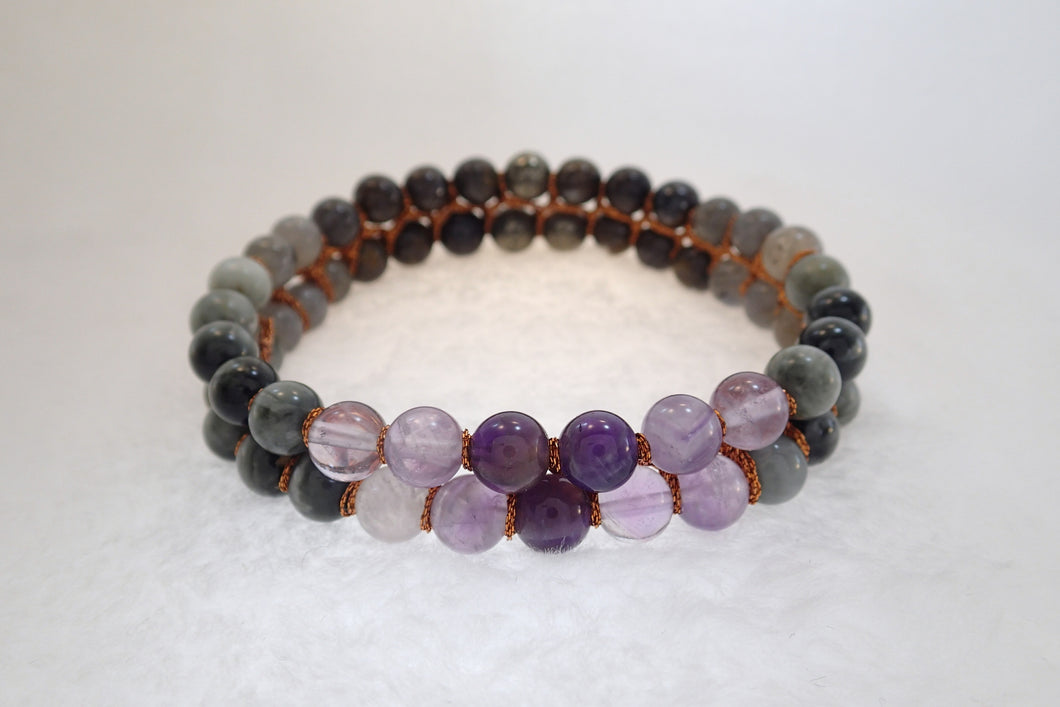 Gemstone bracelet, Golden memories by Pellara. Made of Pyrite, Bronzite, Cat's Eye, Hawk's eye, Labradorite & Amethyst