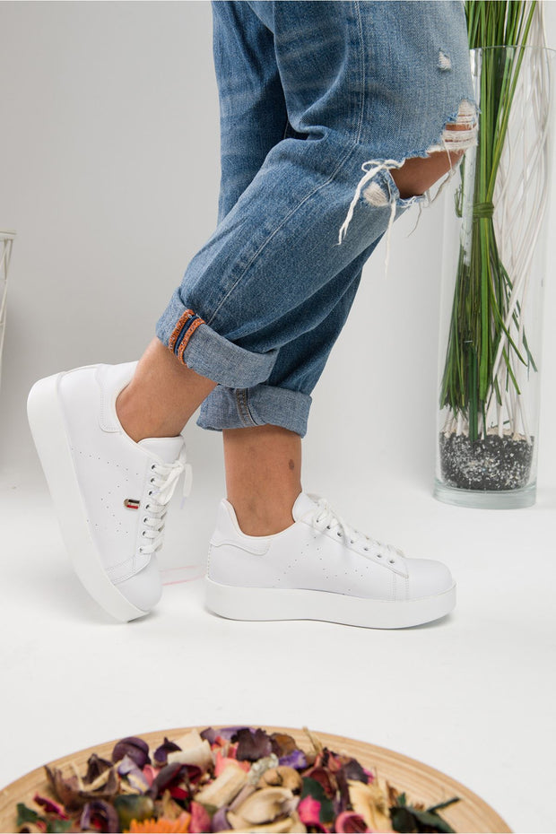 Women's Lace-up White Suede Sport Shoes