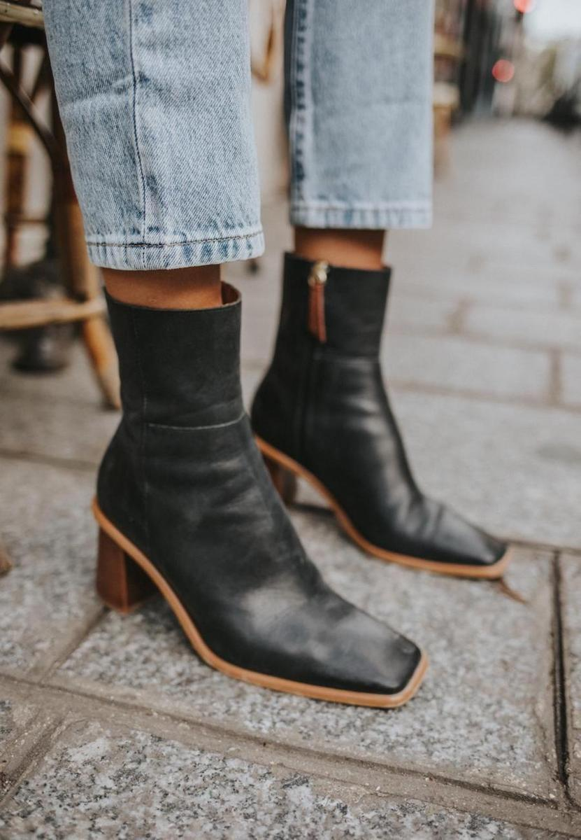ALOHAS West Black Vintage Boots
