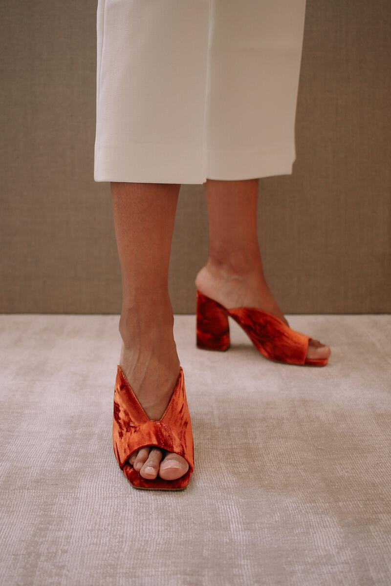 ALOHAS Frenchie Orange Velvet Sandal