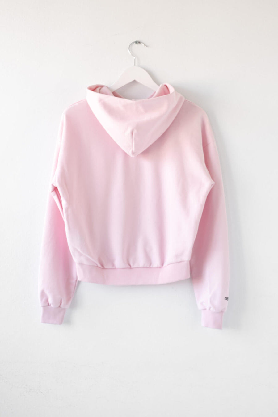 KÄT COPYKÄT cropped hoodie in light pink back