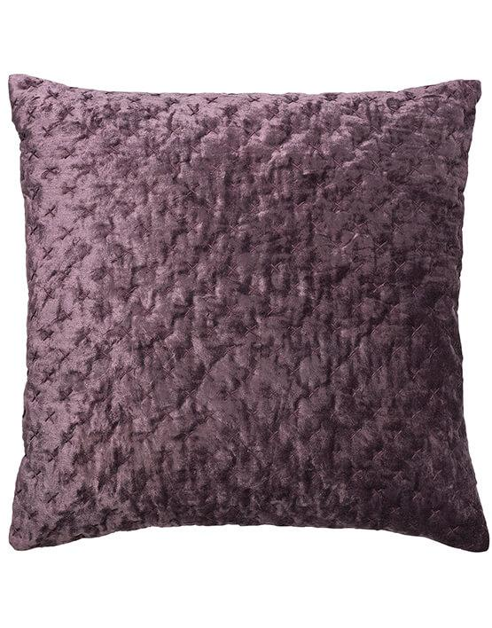 Pude fra Cozy Living. Velvet embroided Lux Grape.