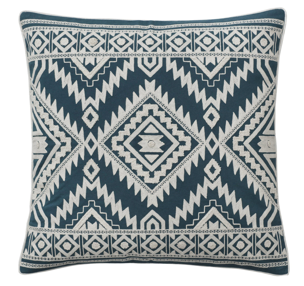 Pude fra Bungalow. Embroidery - Tribal Blue - scandinaviandesigns.net