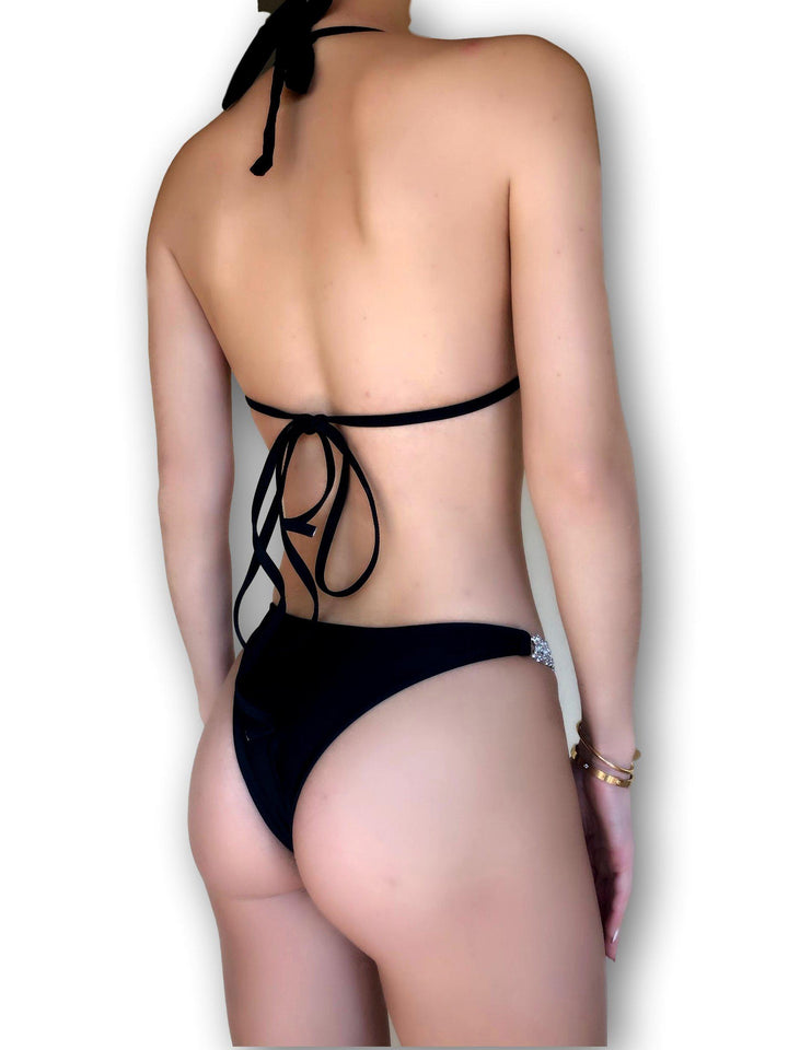 mw_grouped_product, Outlet-Cannes-PHYSICAL-Siberica Swim-Model wears size Medium Top and Medium Bottom. Padded and removable cups Unsure of sizing? Check out our size guide for your correct size.-