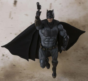 DC Bandai SH Figuarts Justice League Batman Action Figure - Action Figure Warehouse Australia | Comic Collectables