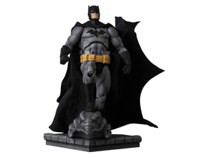 DC Mafex Batman Hush Batman Black Suit Action Figure #126 Pre-Order