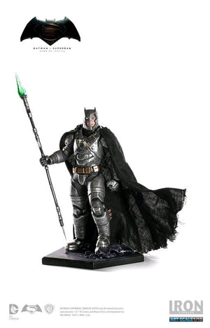 DC Iron Studios Batman v Superman Armored Batman Battle Damaged 1:10 Scale Statue