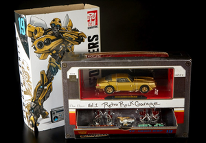 Transformers SDCC Exclusive Bumblebee & Retro Rock Garage Box Set