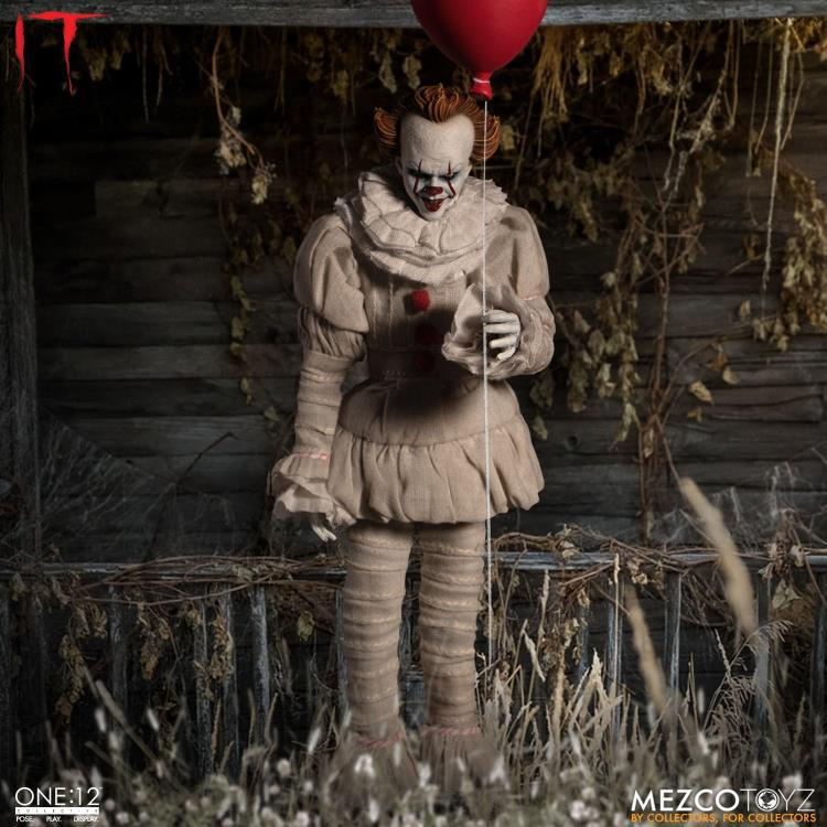IT Mezco Pennywise One:12 Scale Action Figure Pre-Order