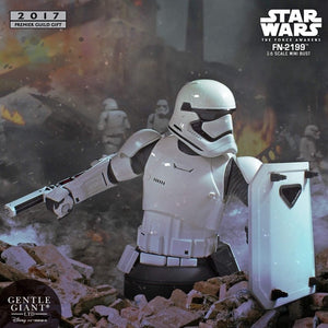 Star Wars Gentle Giant First Order Stormtrooper FN-2199 Mini Bust Pre-Order