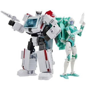Transformers Generations Selects Exclusive War For Cybertron Medics Ratchet & Lifeline 2-Pack Action Figure Pre-Order