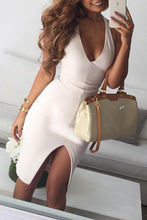 Load image into Gallery viewer, Halter  Asymmetric Hem  Plain Bodycon Dresses