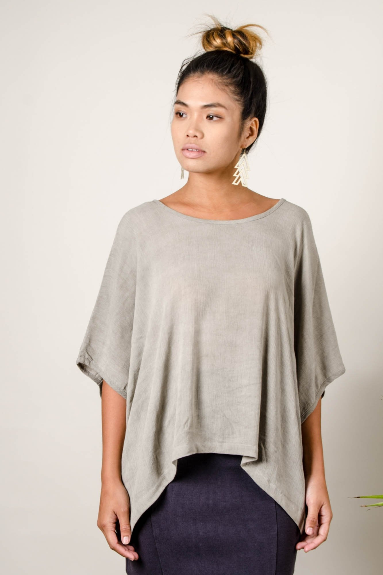 Tonlé | Nearady Top in Grey Natural Dye