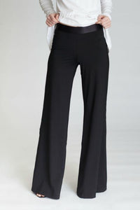 Buki | Marta Pant in Black