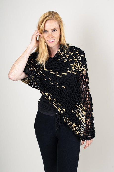Tonlé | Maleng Poncho in Black & Gold