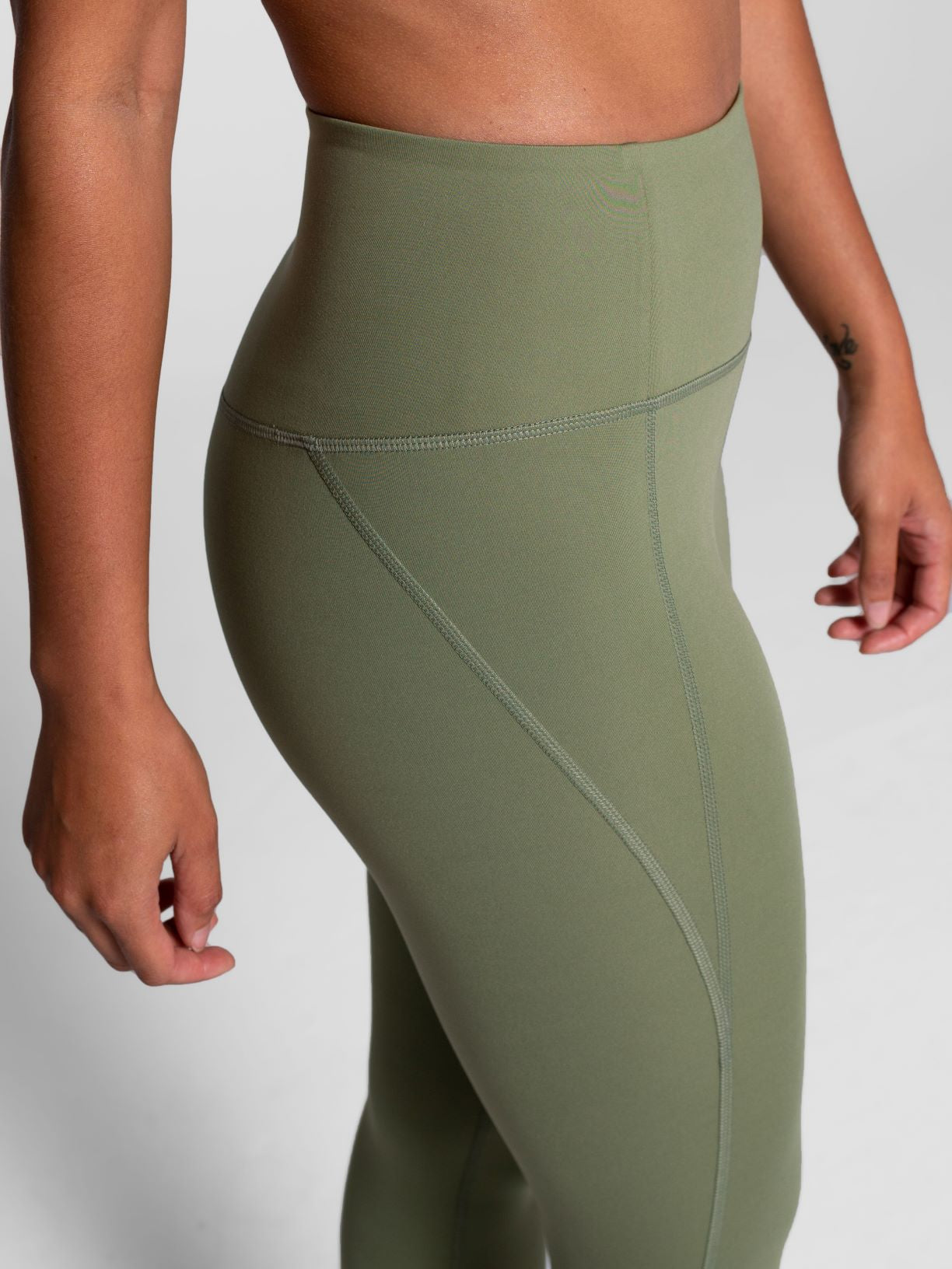 Girlfriend Collective | Long Legging in Olivine
