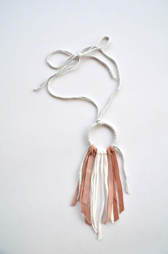 Tonlé | Hoop Necklace in Pink/Cream