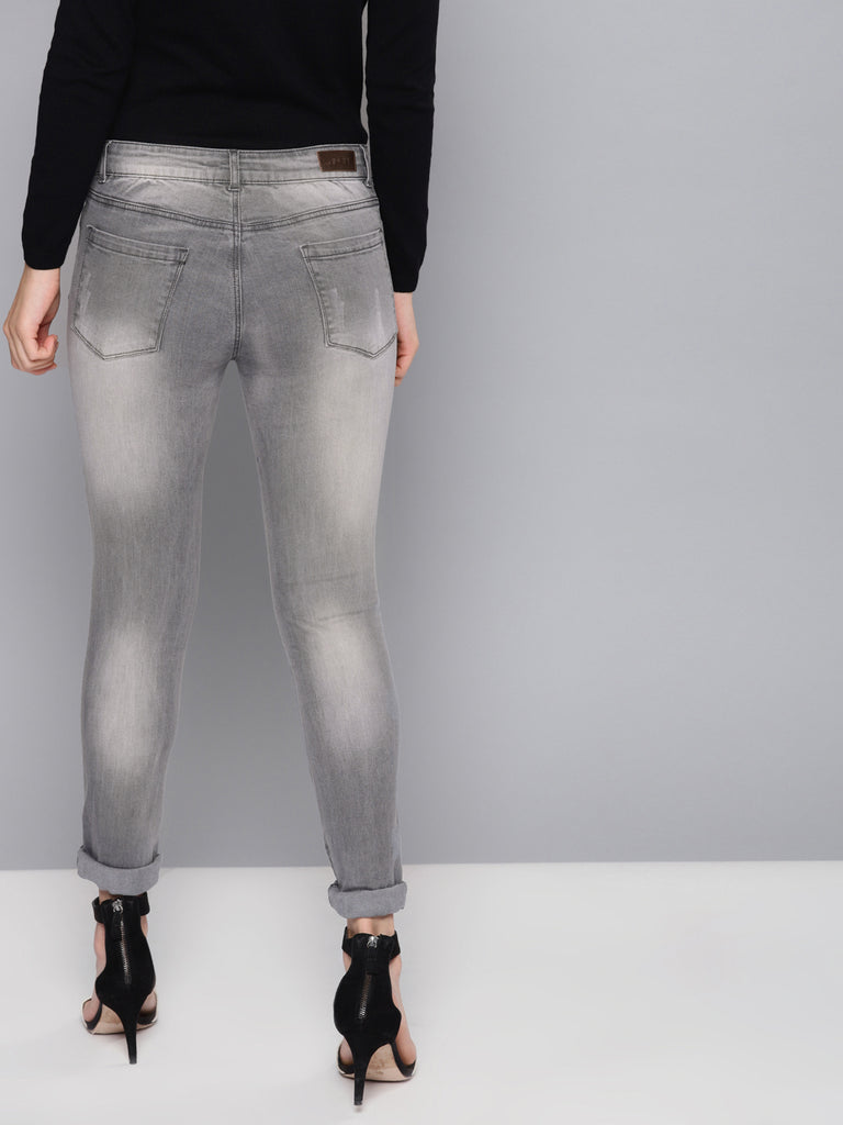 Regular Fit Mid-Rise Mildly Distressed Stretchable Jeans