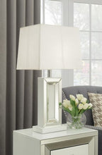 Load image into Gallery viewer, Malibu Table Lamp