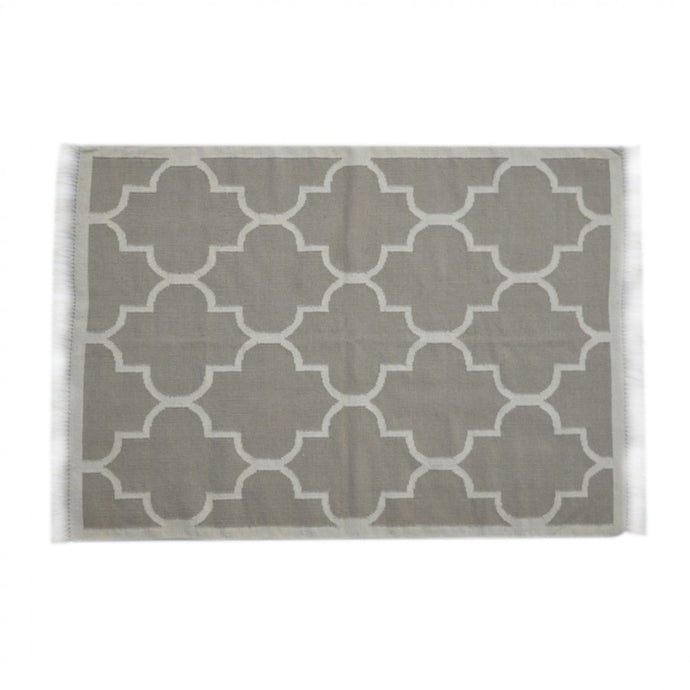 Tan Moroccan Quatrefoil Pattern Rug with Tassels - Blakes Discounts