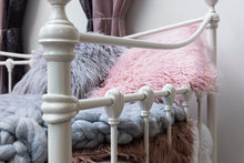 Load image into Gallery viewer, ORNATE VINTAGE WHITE METAL DAY BED WITH OPTIONAL GUEST TRUNDLE - SINGLE - Blakes Discounts