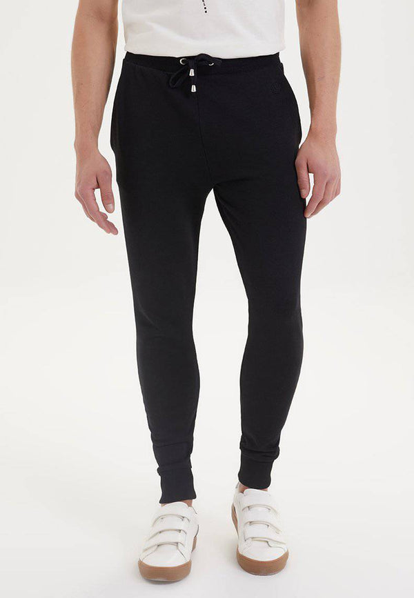 ESSENTIALS JOGGER in Black