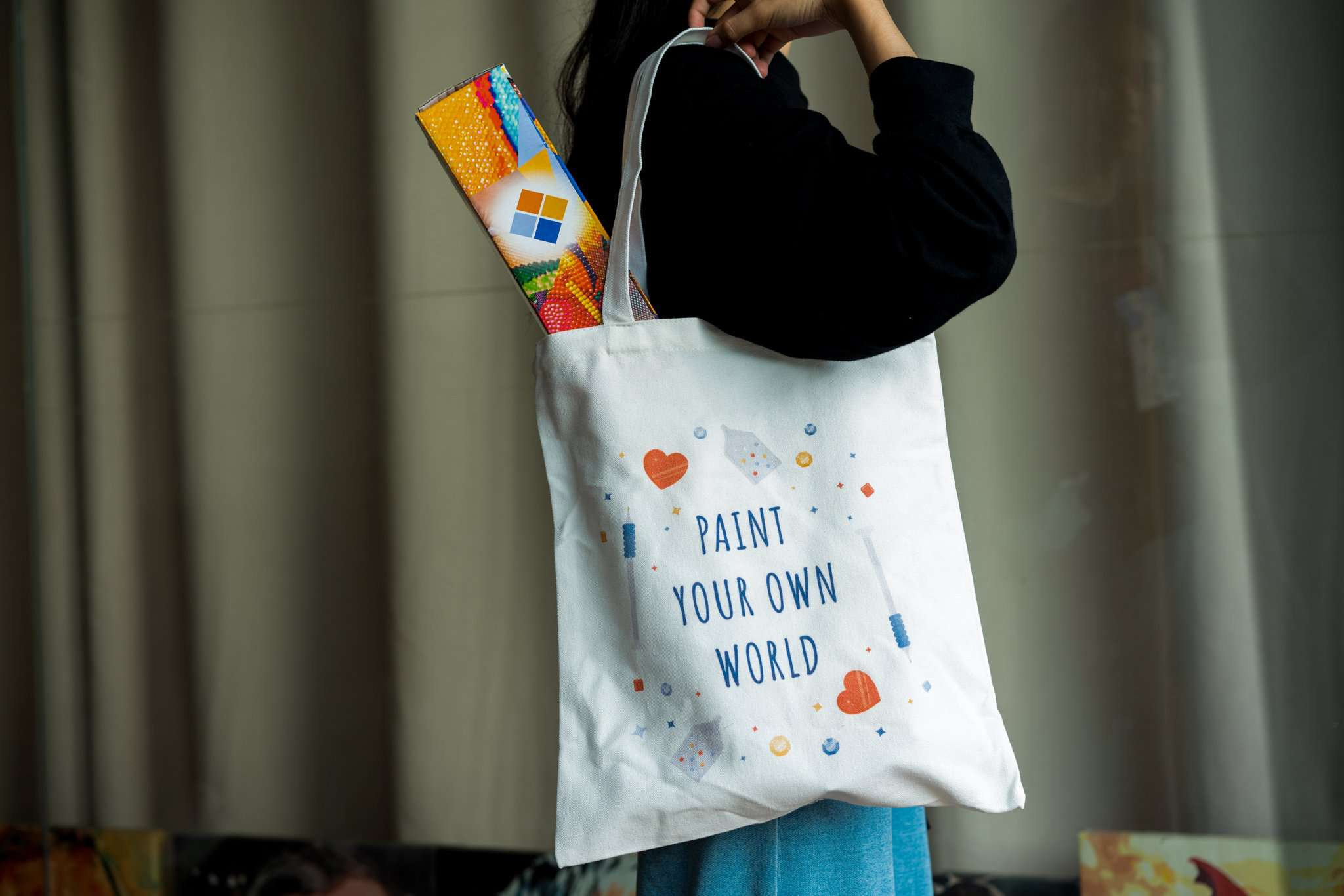 'Paint Your Own World' Linnen Tas
