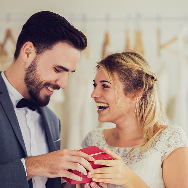 How Much Money Should You Give As A Wedding Gift Woodflowers Com