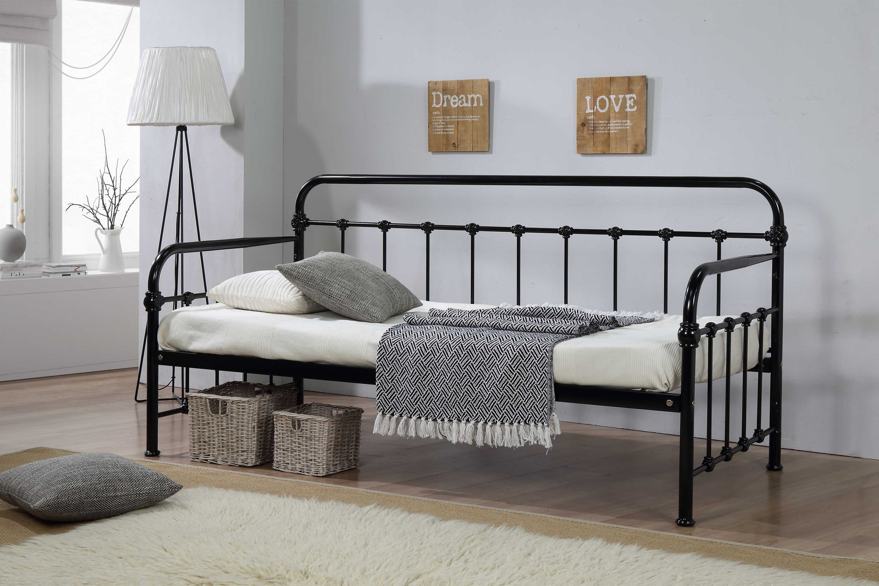 Malmo Day Bed Black