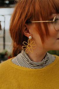 Floriblunders Daisy Drop Earrings