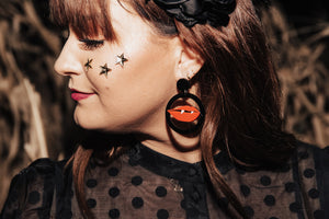 Vampy Kiss Drop Earrings