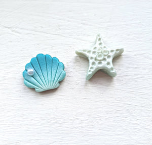 Treasures of the Sea Series Mismatched Shell/Starfish Studs (Teal)