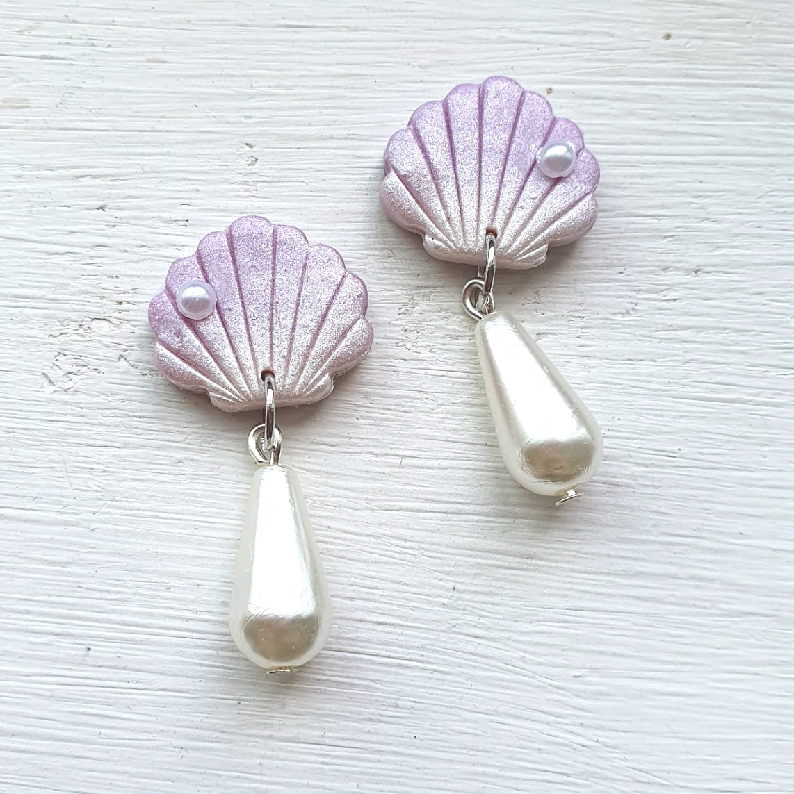 Treasures of the Sea Series Shell Pearl Drops (Lilac)