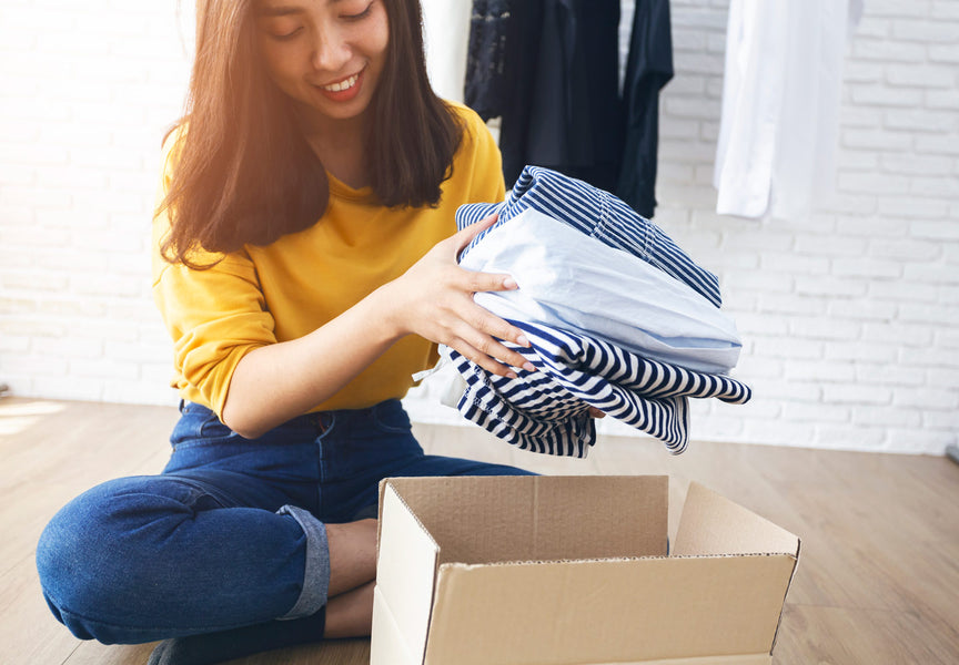 Unless you have a spacious walk-in closet the size of a bedroom, storing your clothes by season is essential for an organized space and daily functioning