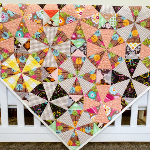 pixie-baby-quilt-crib-bedding-triangles