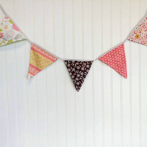 pennant-flags-baby-nursery-peach