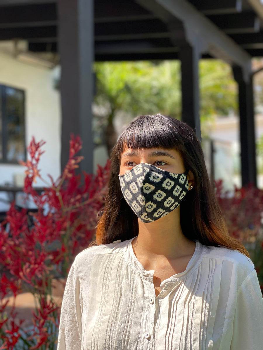 Japanese Vintage Aizome Ear Loop Face Mask (Shiro Hishi)