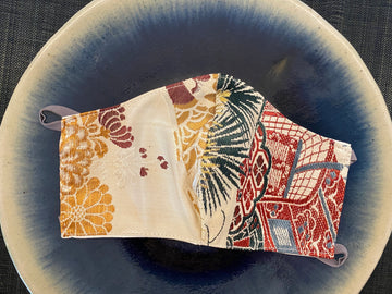 Japanese Vintage Silk Maruobi Mask (red x gold kiku)