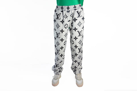Cozy light grey faux fur Pants with LV inspired black Monograms print