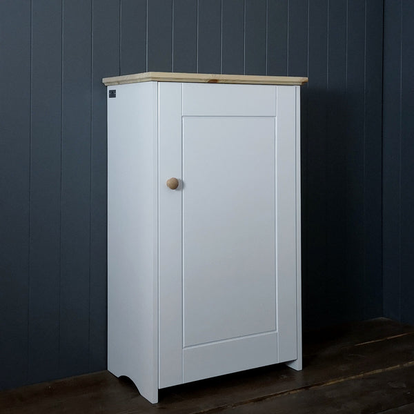 Single Country Storage Cupboard with 4 shelves