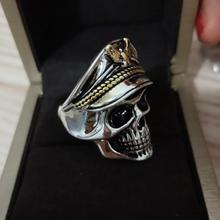 Load image into Gallery viewer, White Gold Skull