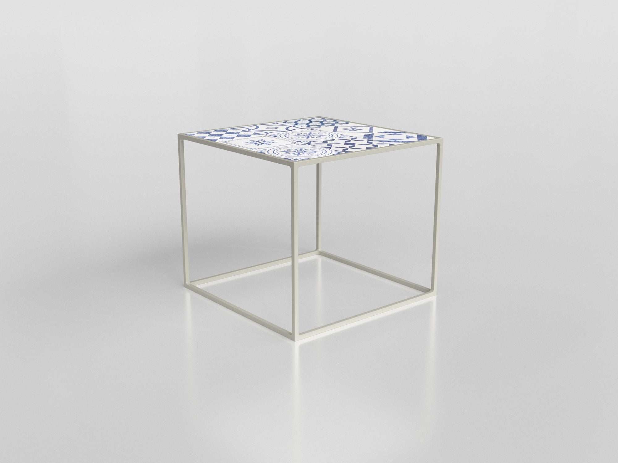 2533 - Club Side Table
