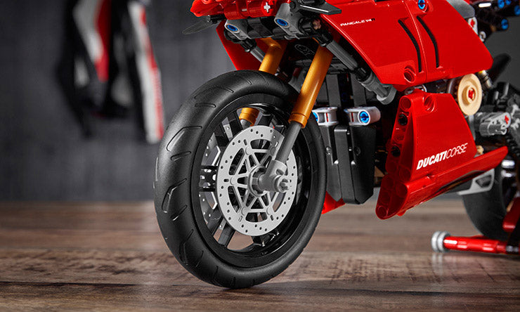 Marvelous Breathtaking Lighting Lego Ducati Panigale V4 R 42107