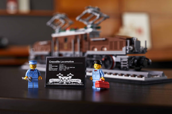Build The Iconic Lego Crocodile Locomotive 10277 With Lights!