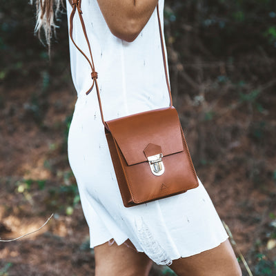 Joana Cubo Shoulder Bag