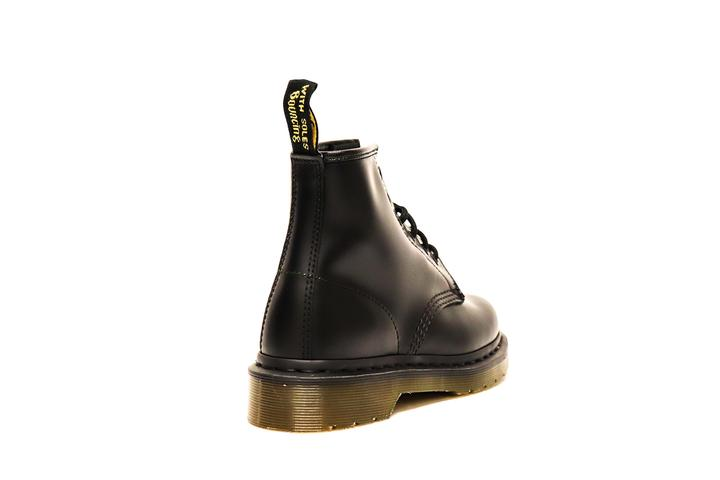 Dr. Martens Anfibio 6 Fori Smooth M