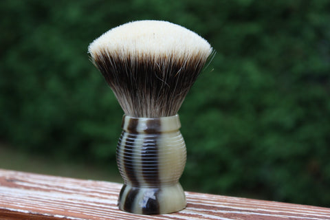 28mm Gelousy SHD Fan w/Faux Horn Beehive Handle - Specially Treated 2 Band Finest Badger Knot